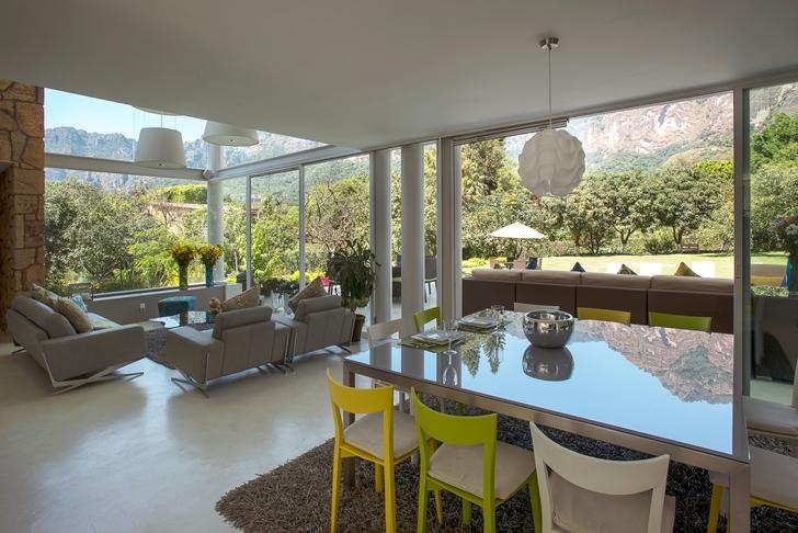 Modern interiors of Casa del Viento by A-oo1 Taller de Arquitectura