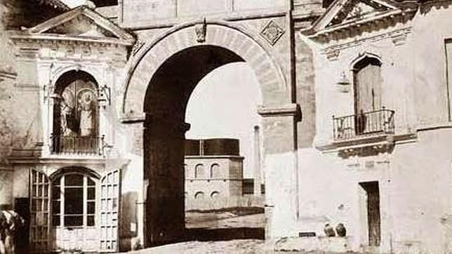 Puerta Real Sevila