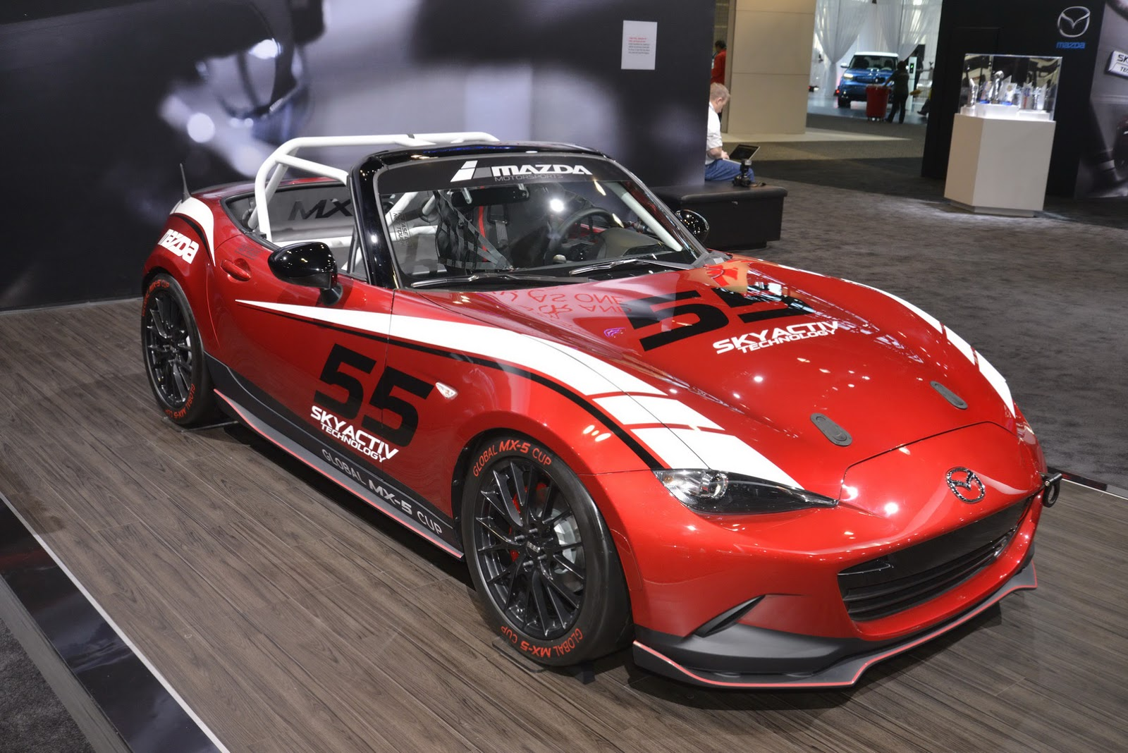 mazda to debut more aggressive 2016 mx 5 club edition in. Black Bedroom Furniture Sets. Home Design Ideas