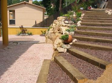 Serviciosdejardineriabasica jardineria barata 18 ud for Jardineria barata barcelona