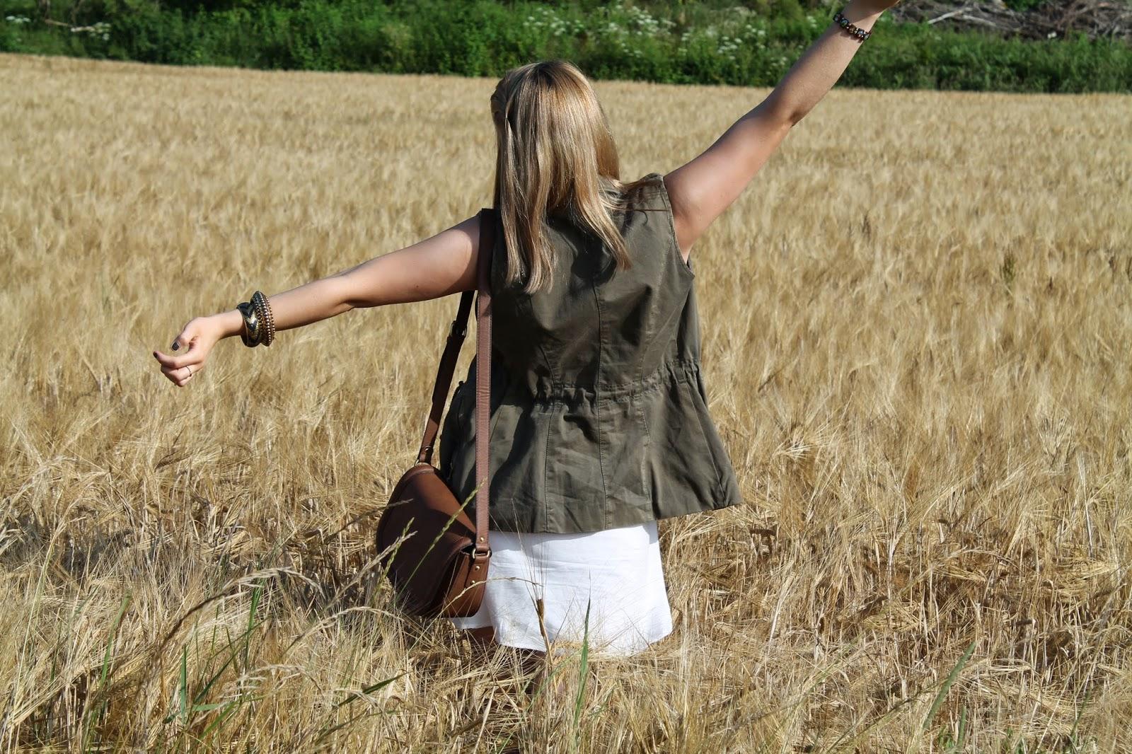 Fashionblogger Austria / Österreich / Deutsch / German / Kärnten / Carinthia / Klagenfurt / Köttmannsdorf / Spring Look / Classy / Edgy / Summer / Summer Style 2014 / Summer Look / Fashionista Look / Takko / Vero Moda / Zara / Even and Odd / Tommy Hilfiger / Ray Ban / How to style /