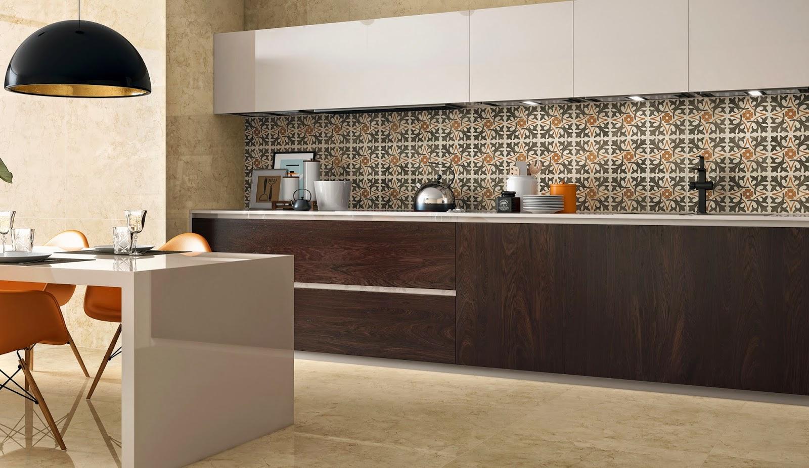 #BA4F0B Nesta cozinha com armáriosescuros o piso de porcelanato Royal Marfil  1600x927 px Bancada De Cozinha Americana De Porcelanato #1349 imagens