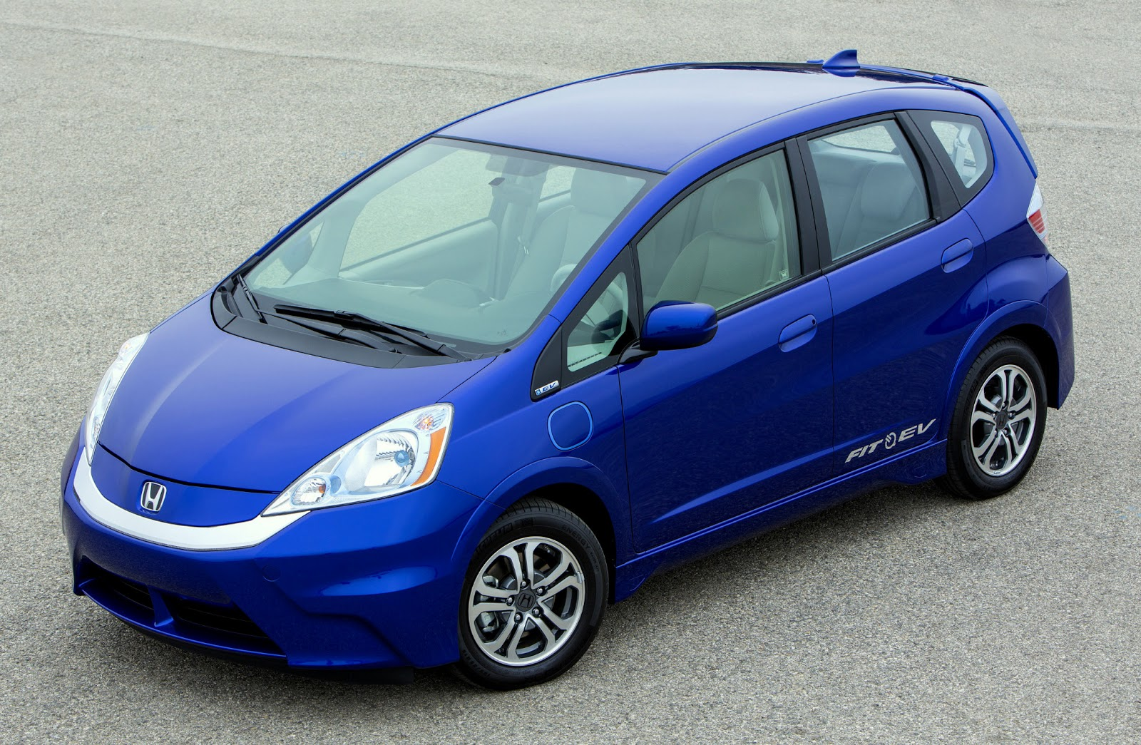 Gennews honda drops price on fit ev leases for Honda fit lease price