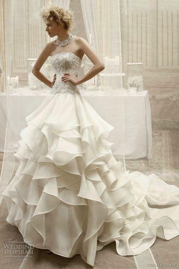 Modelo de vestido de novia.