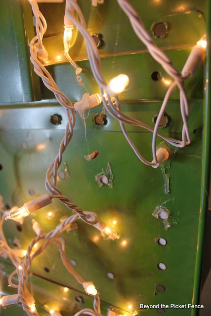 12 Days of Christmas, Ironing Board Tree http://bec4-beyondthepicketfence.blogspot.com/