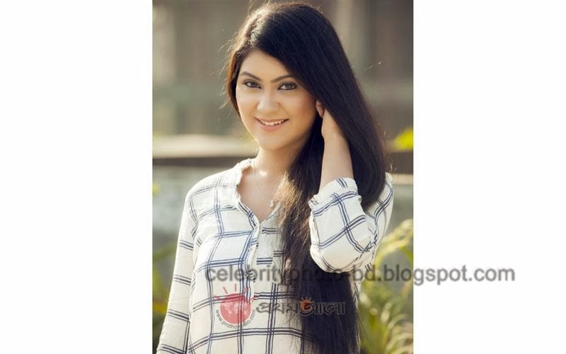 Bangladeshi+model+Shayna+Amin+Hot+Photos007