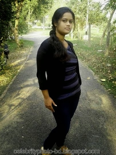 Deshi+girl+real+indianVillage+And+college+girl+Photos077