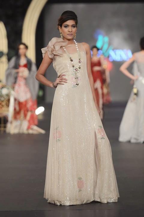 Stylish maxi dresses in pakistan
