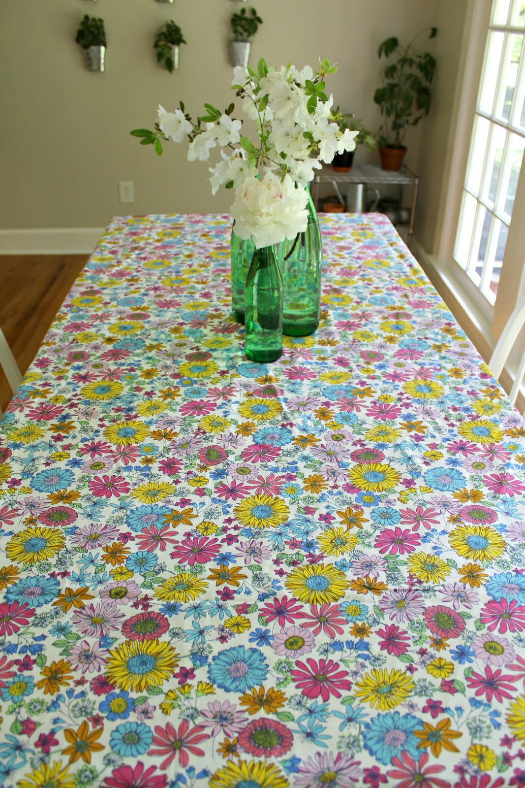 Ten June: Spring Tablescape