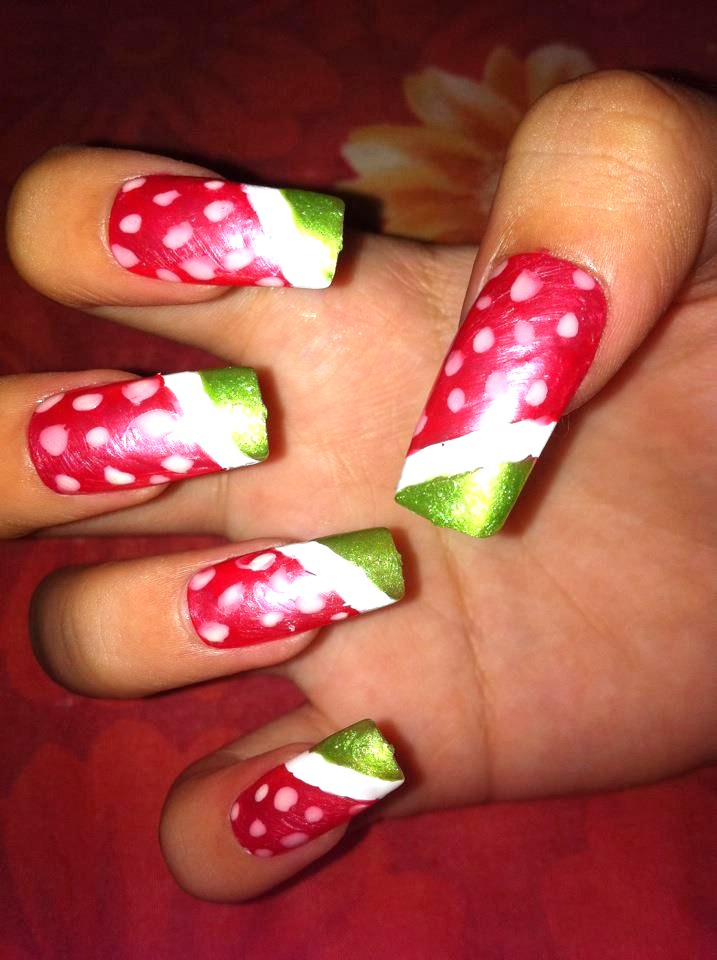 Mon's Nail: Pretty nails - Just stick them on!
