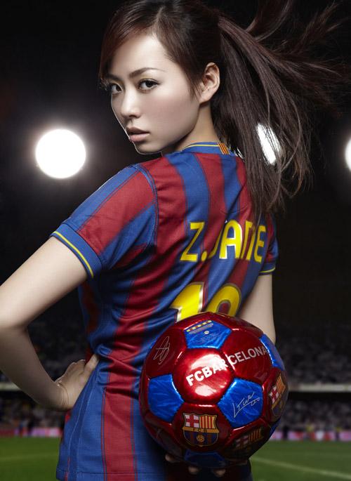 Самые красивые жены и девушки футболистов 45 фото