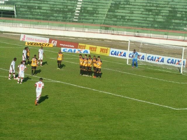 Feirense e Catuense ficaram no empate na luta contra a degola