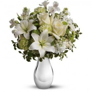 Send a Silver Reflections Bouquet