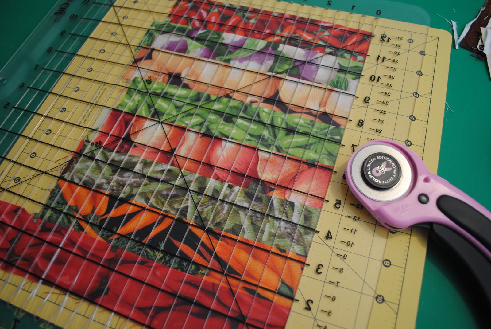 Only The Hem Of My Apron: Canning Jar Quilt and an iron review.... : mason jar quilt - Adamdwight.com