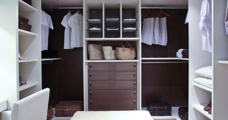 Formas de organizar un cl set o armario decoraci n del - Diseno interior armario ...