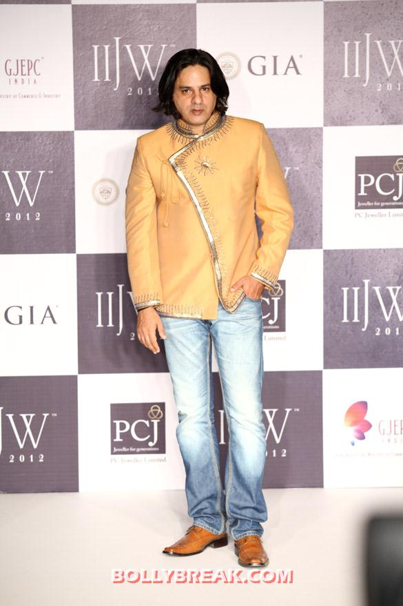 , Jewel Trendz's Show At Iijw 2012 Day - 3