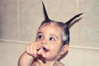 Model rambut lucu untuk anak perempuan saat mandi