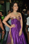 rashi khanna new sizzling pics-thumbnail-2