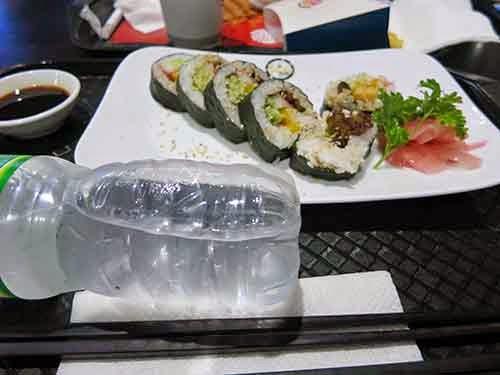 タンソンニャット国際空港 食事