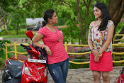 Panchadara Pachimirchi Movie Stills-thumbnail-7