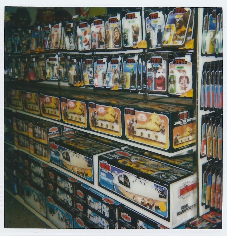 geek with curves store shelves stocked with kenner star wars toys. Black Bedroom Furniture Sets. Home Design Ideas