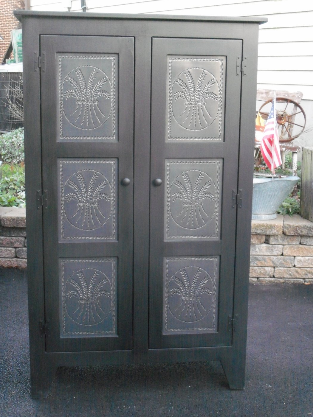 Amish Cabinet Doors Staging Decorating On The Cheap Tired Of Your Doors