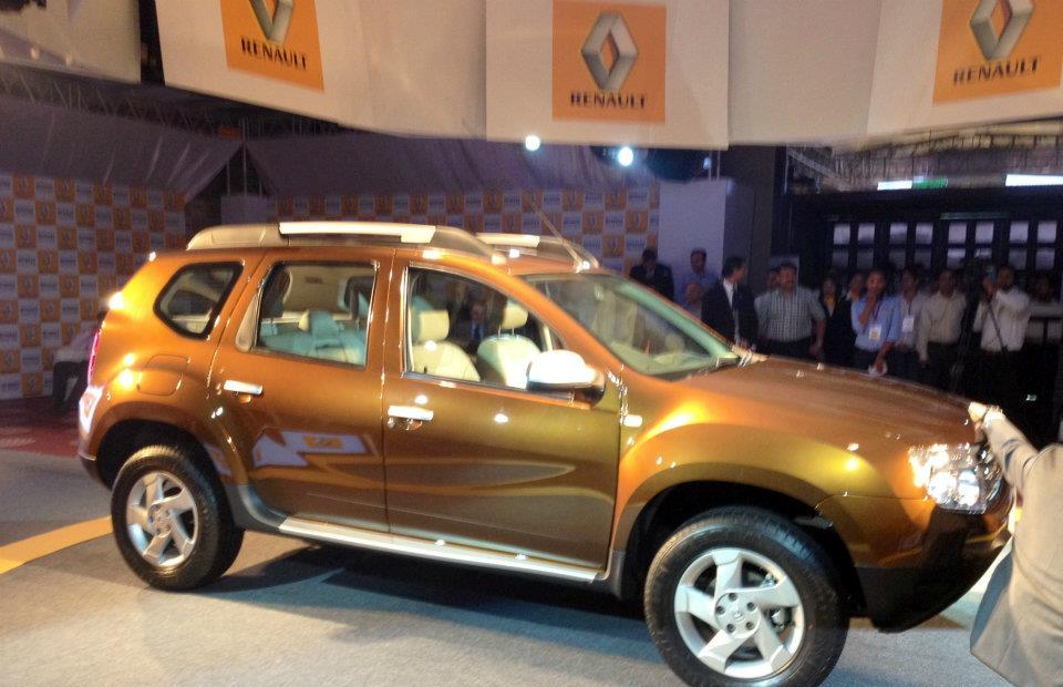 renault duster launched in mumbai priced a notch higher. Black Bedroom Furniture Sets. Home Design Ideas