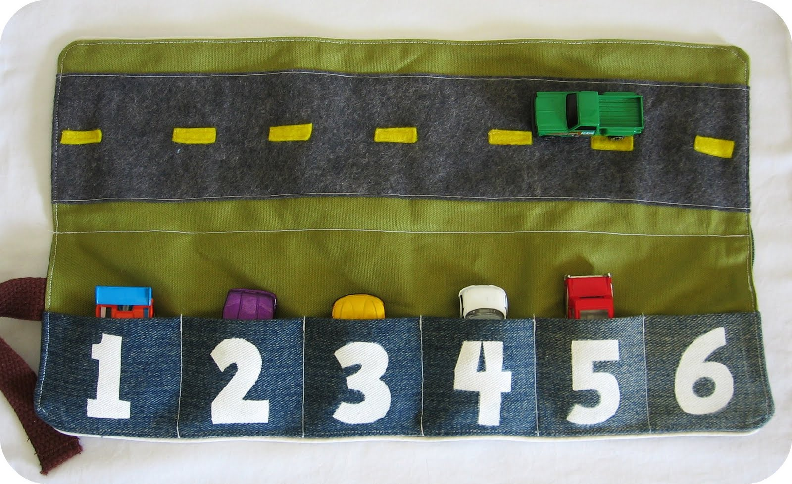 tranquility spot portable car activity mat set. Black Bedroom Furniture Sets. Home Design Ideas