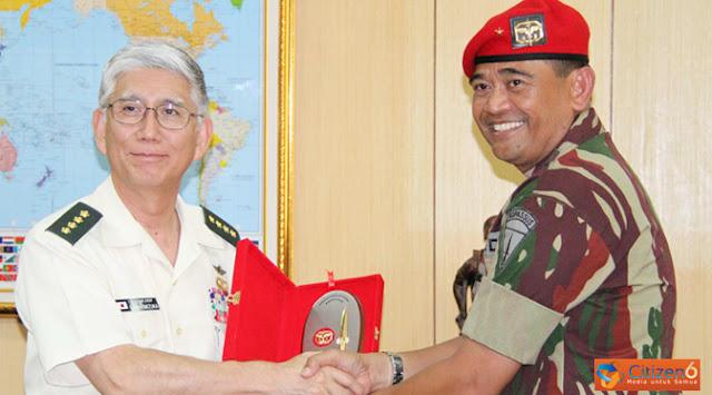 Brigjen TNI Jaswandi dan Jendral Eiji Kimizuka