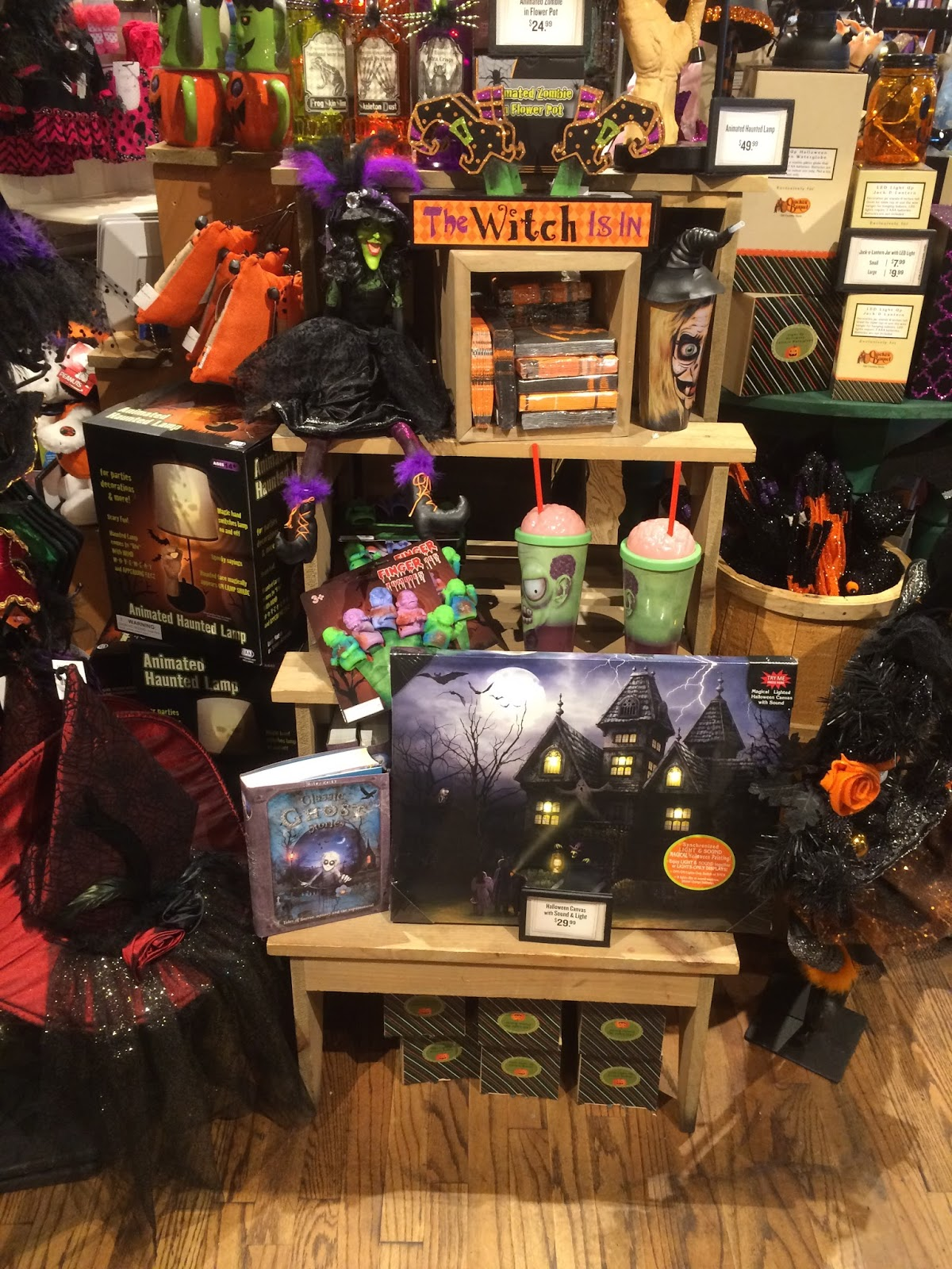 this year cracker barrel wins the first halloween retail sighting for 2015