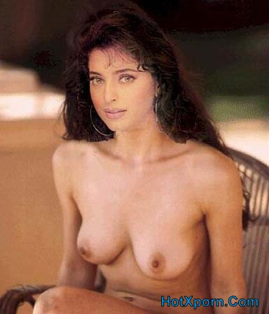 Indian Actress Juhi Chawla  Boobs Show Fake