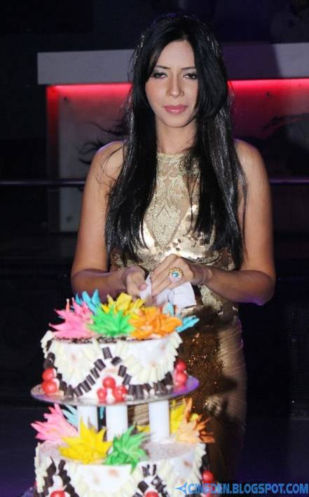 Rozlyn Khan Birthday Bash Photostills Gallery - CineDen