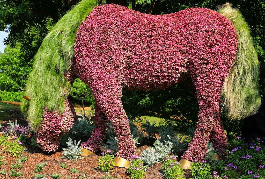 From Now Till 31st October, The Largest Living Plant Sculpture Exhibition  Are Displayed In The United States. [link] You Can Visit Atlanta Botanical  Garden ...