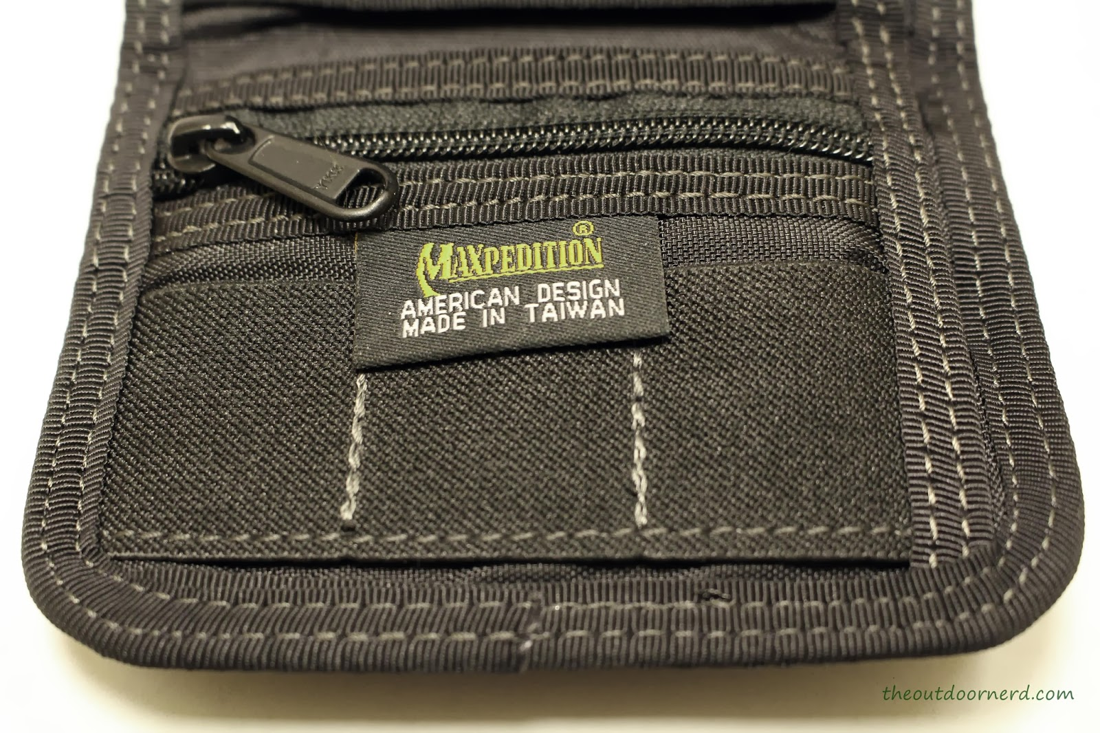 Maxpedition C.M.C Wallet - Closeup Of Inner Zipper Pocket