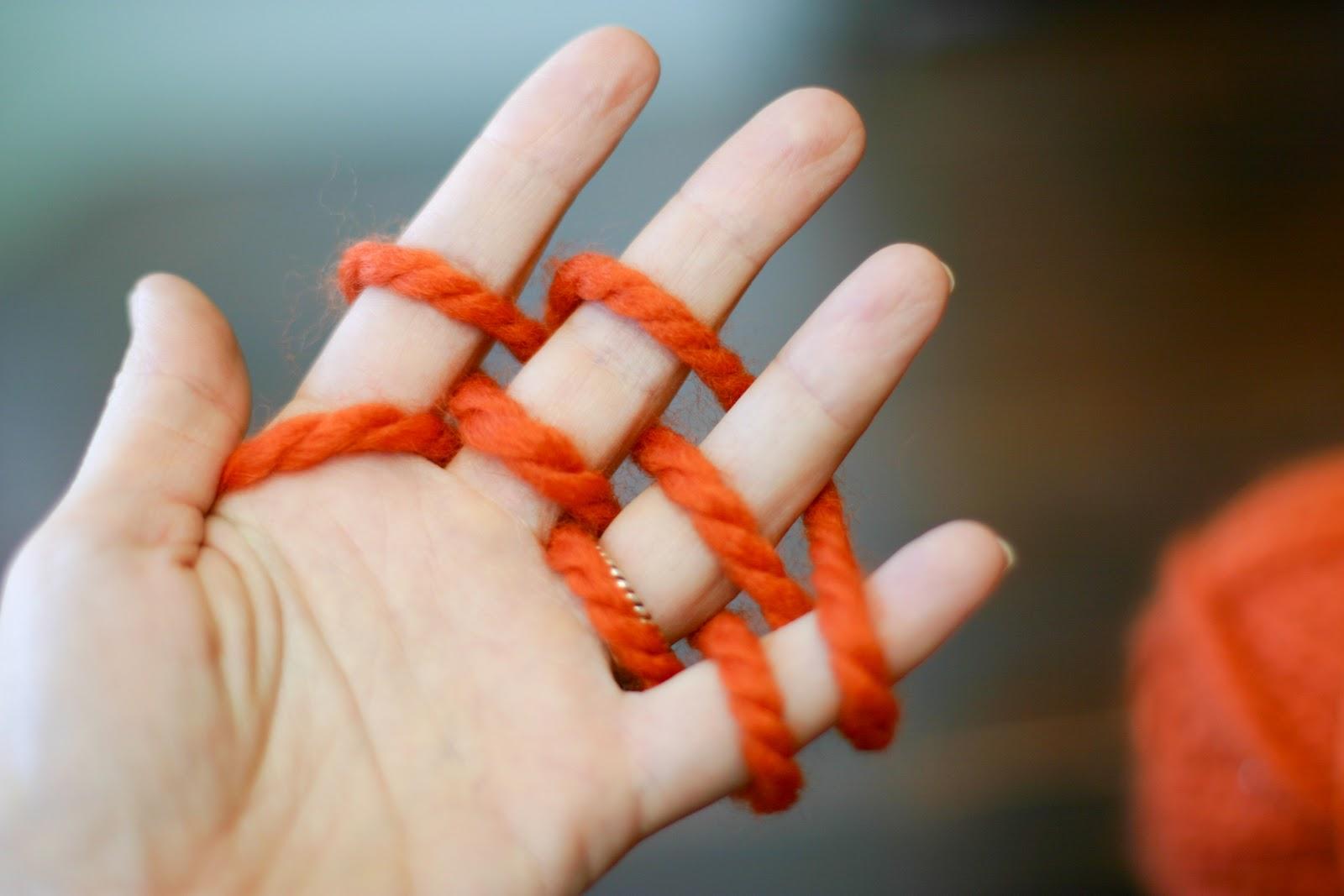 Вязание пальцами как спицами