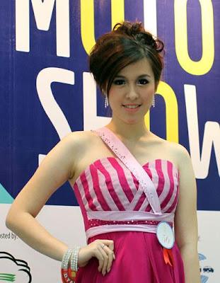 Gaya Rambut Model Cantik Motor Show.jpg