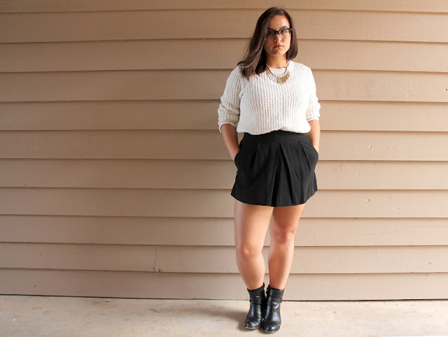 Summer, Fall, Fall 2015, Summer 2015, 2015, Fashion, college, outfit, college outfit, college fashion, fashion, college, boots, sweater, shorts, skirt, skort, glasses, cute, simple outfit, easy, summer, winter.
