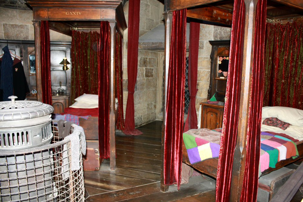 The Gryffindor Dorm Room Where Harry And Ron Bunked Was Interesting. As The  Audio Explained The Beds Were The Right Size For The Actors When They First  ... Part 60
