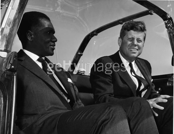THE BUBBLETOP JFK SUPPOSEDLY DIDN'T LIKE-WHY THE SMILE?