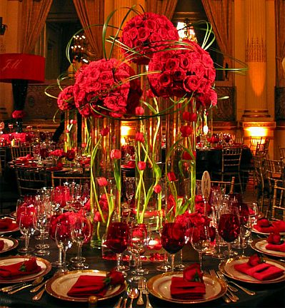 Centros De Mesa Romanticos Color Rojo as well Downton Abbey And 1912 likewise momsandmunchkins ca wp Content uploads 2014 08 mini Desserts Everyboydylovespretty together with Babys One Month Sesame Street Party Dessert Table further Creative Oscars Party Ideas Film Reel. on oscar party dessert ideas