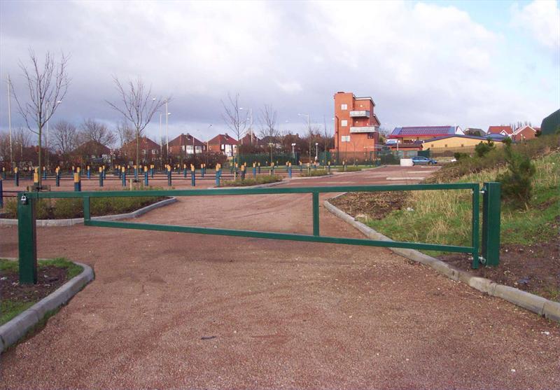 Barrier jumps galleries arm gate