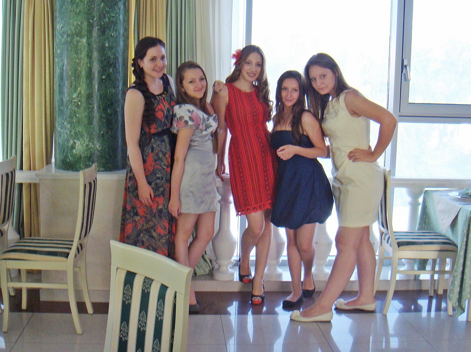 весна :: Платья на выпускной 9 класса