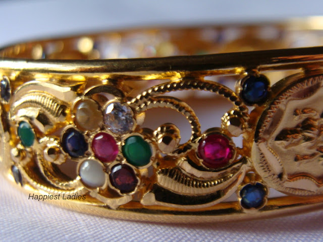 Stone studded gold bangle+gold bangle
