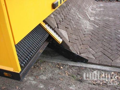 Mesin Unik untuk Memasang Paving Block
