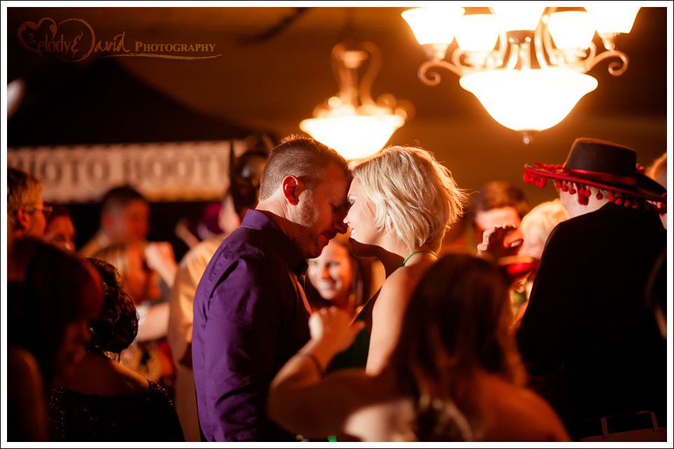 Couple embraces on the dancefloor
