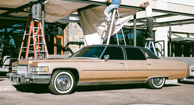 1976 Cadillac Fleetwood analog