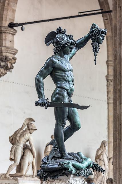 Perseo con la Cabeza de Medusa (Benvenuto Cellini) :: Canon EOS5D MkIII | ISO800 | Canon 70-200@155mm | f/4.0 | 1/50s