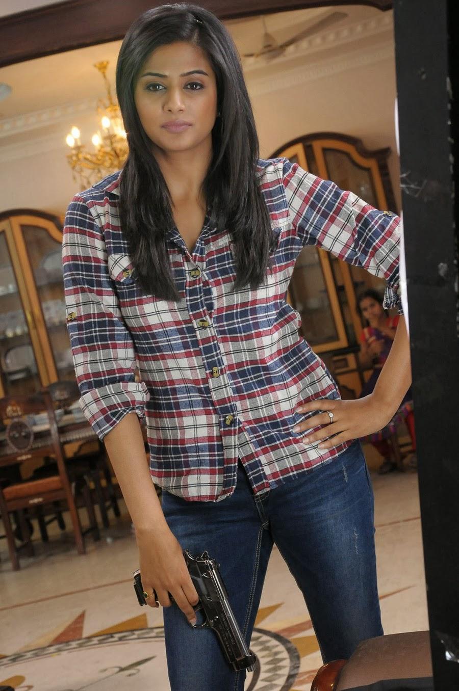 Priyamani photos from Chandi Movie-HQ-Photo-1