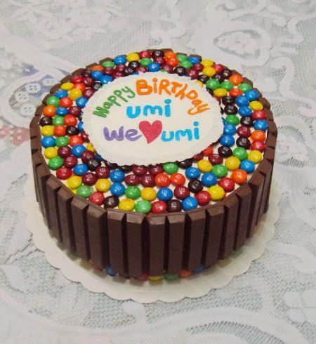 Utk Tempahan : M&M Cake with Kit Kat