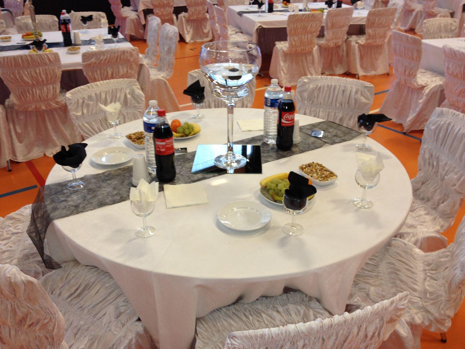 Id et photo d coration mariage decoration salle mariage - Decoration de table ronde pour mariage ...